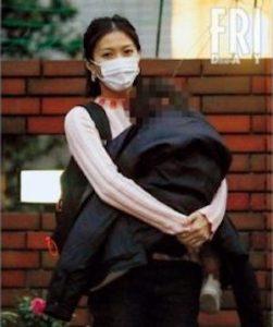 kakuF 2 251x300 - 【画像】賀来賢人と嫁・榮倉奈々の子供は超美少女?目撃情報やエピソードまとめ