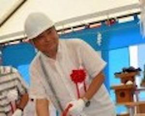 hukudamoeko 3 - 福田萌子の父親は沖縄の会社を複数経営!母親とも仲良し!兄や弟など家族構成を調査!